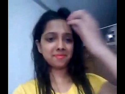 Desi girl playing pussy
